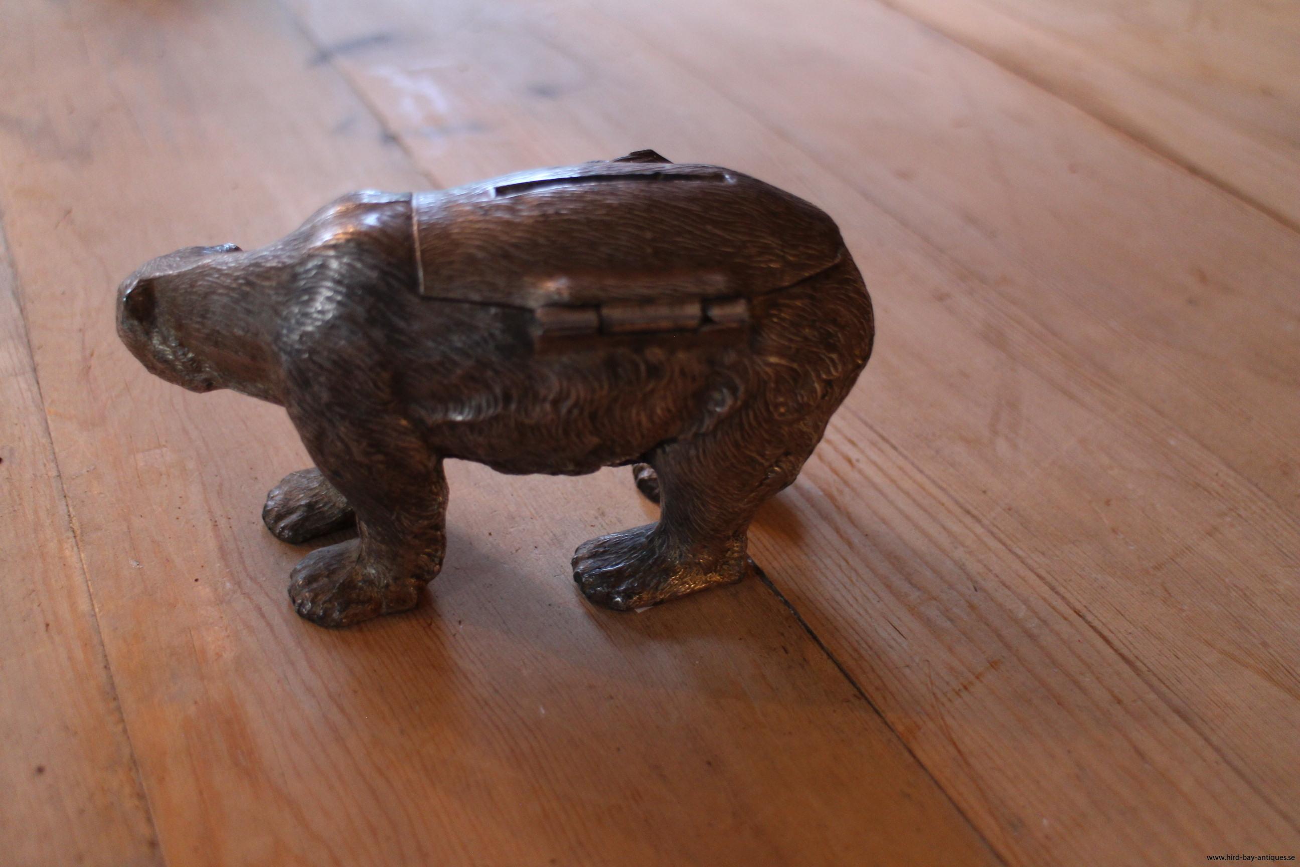 sparbössa antik björn metall