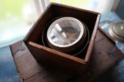 Kompass i låda