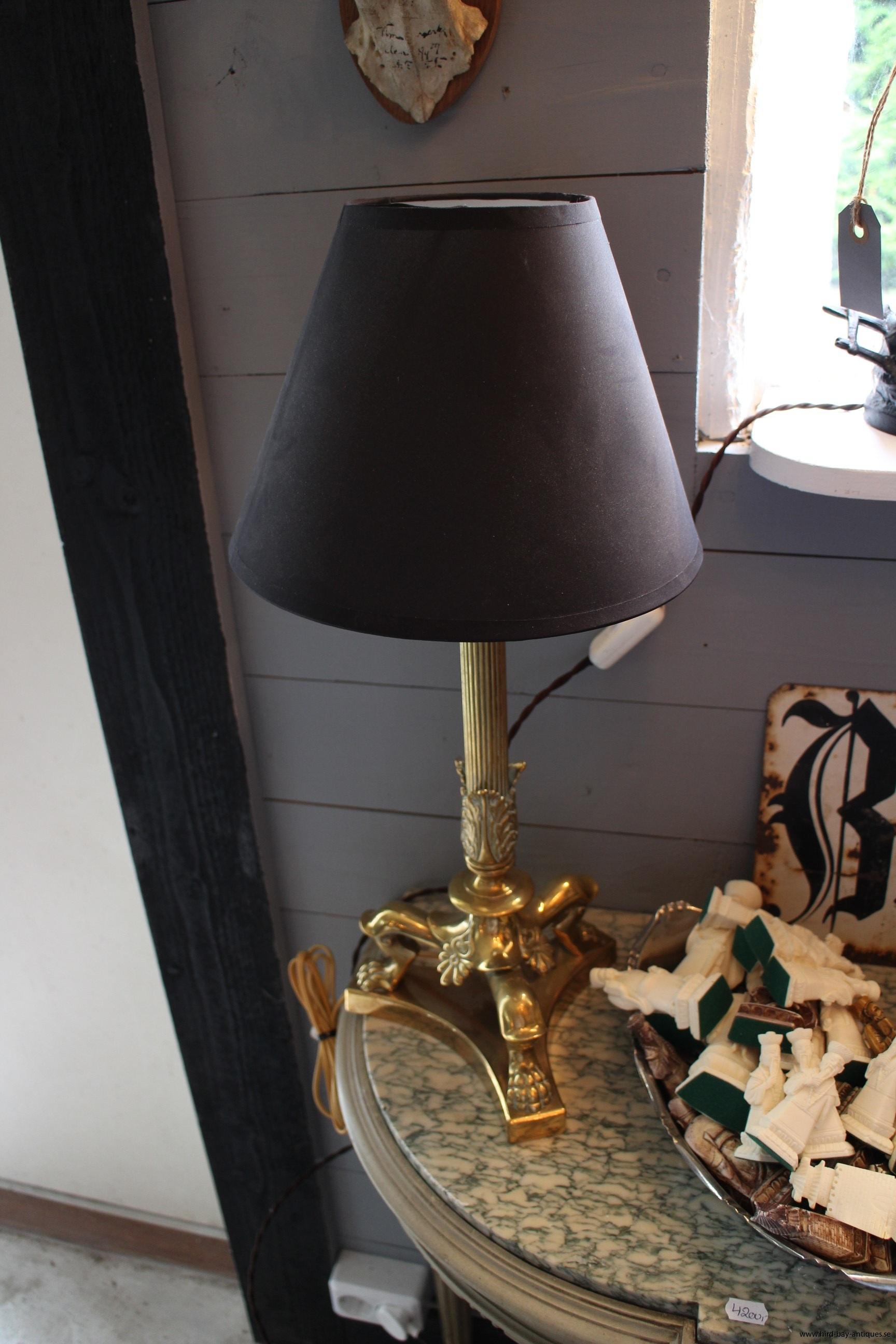 Bordslampa brons djurfötter klassisk