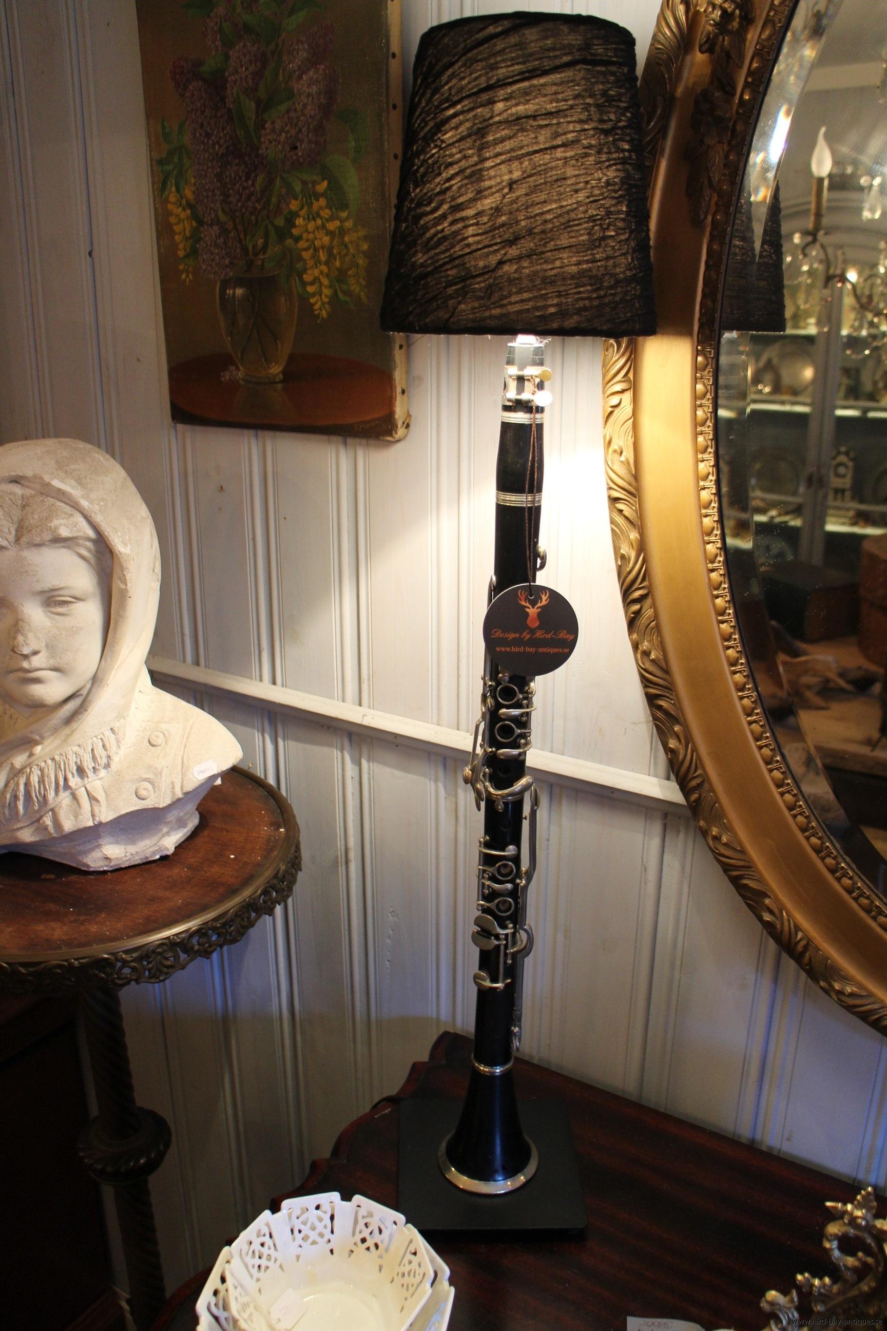 klarinett lampa svart
