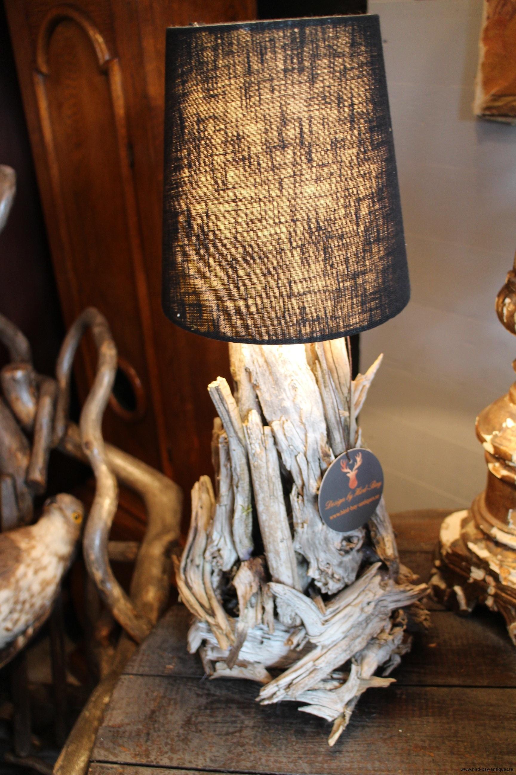 mindre bordslampa drivved