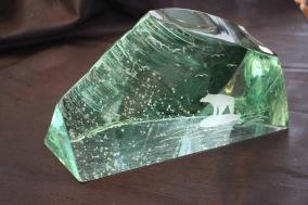 Stort slipad glasblock