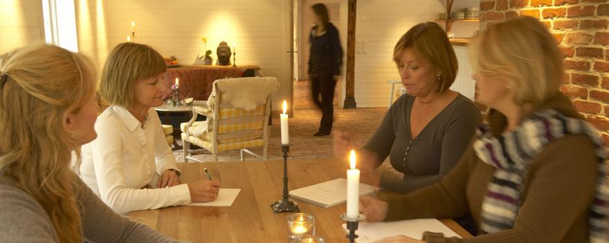 Val av mindre konferenslokaler i lugn & lantlig miljö på kurs- & konferensgård Säbyholms Gård utanför Laholm, södra Halland