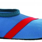 Barn Fitkicks, blå med röda detaljer.