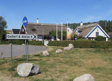GALLERI K i KÅSEBERGA  -  Karin Anker och olika gästutställare.