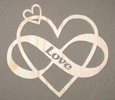 Halländskt hantverk Hjärta i trä Evig kärlek ca 32x28 cm