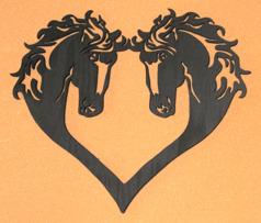 Halländskt hantverk Hästar hjärta Utsågad i trä Svart målad ca 29x30 cm