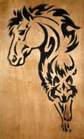 Halländskt hantverk Häst o varg Svart mot natur färgad lackad botten