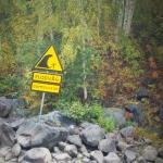 Varningsskylt flodvåg Solanderleden