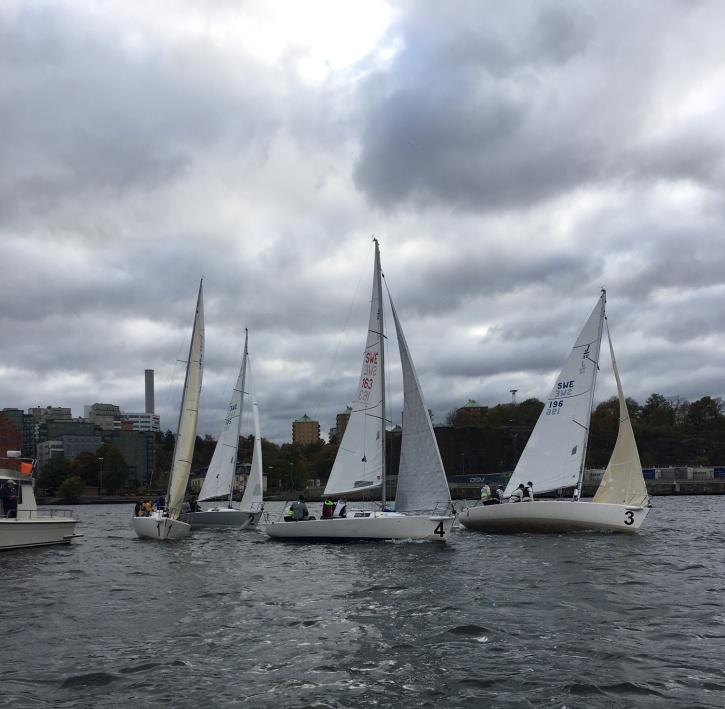 Första lördagen i oktober seglas NTR med efterföljande middag på Klubbarnas Klubb