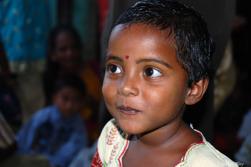 På ett skolhem i Indien