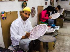 Målning av keramikfat