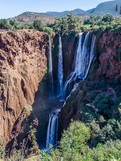 Det över 100 m höga vattenfallet i Ouzud