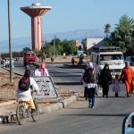 En vardagsgatubild 5 mil utanför Marrakech
