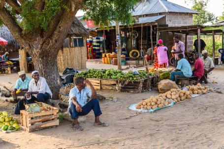 Vardagsbild från byn