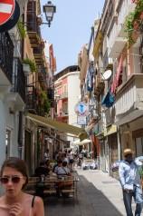 Livlig gata i Cagliari