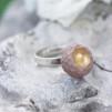 Ring Raw gold soft pink (liten sten)