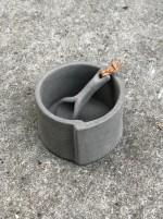 Ljuslykta/saltskål Raw Concrete