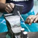 Beslagstillverkningen utförs av skickliga yrkesmän för hand