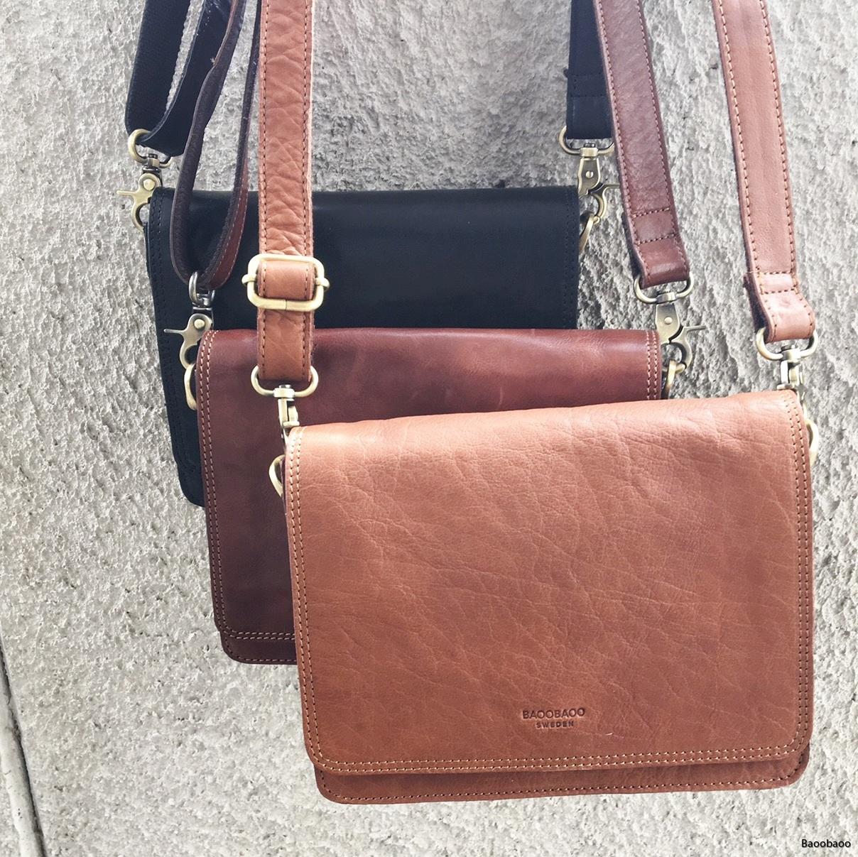 Flap handbag small trio1080x1080B