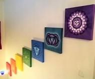 De sju chakrabilderna vill höra ihop och säljs tillsammans. 10 000 kr.