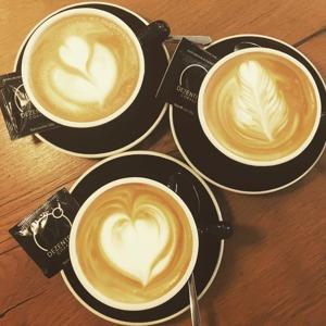 Bästa kaffet får du på Dezentral i Puerto Banus