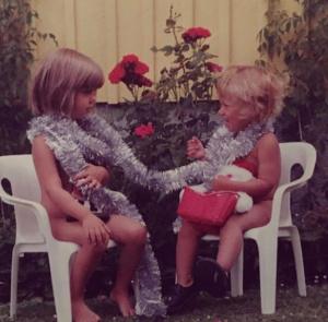 Julkort anno 1994 med mina döttrar Amanda och Matilda