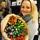 Emma med tulpaner