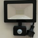 Ledstrålkastare med sensor