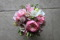 Tärnbukett som passar som brudbukett i fina rosa/lila nyanser.