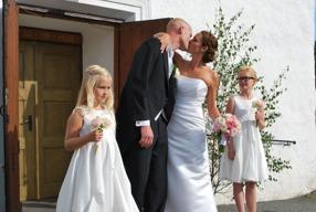 Brudbukett, Corsage, Tärnbukett, Näbbukett, bröllopsblommor till vigsel i Varberg Halland