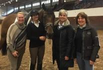 Tinne och Esperanze beundras av tre tränartanter :) OBS! Lussan tog fotot ! :)