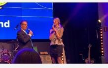 Här tar hon emot priset på RadioGalan :)