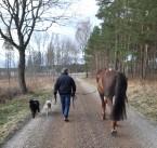 200418 Lars och hundarna var oxå med.