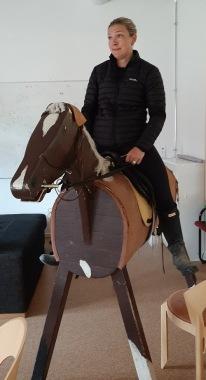 200704 Carolinas häst var lite stel idag :)