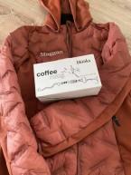 Ursnygg jacka och fler kaffekoppar var det denna gång. Tack HÖÖKS !