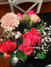 Blommorna jag fick av Rasmus på morsdag står så fina fortfarande.
