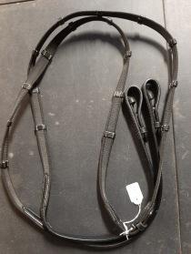 Nr 67.) NYA Svarta gummityglar med stoppar och vita sömmar. 300:-