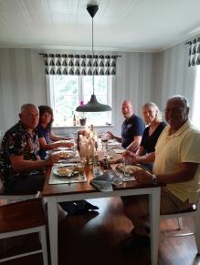 210802 Middag med Claes & Marie samt Roger & Åsa. Inne pga väder men såå trevligt att ses igen :).