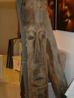 Stora trämasker, höjd 210 cm