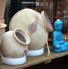 Indisk vattenkruka, två storlekar