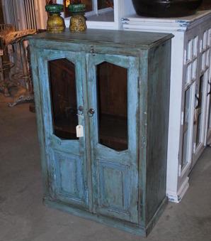 Turkosgrönt vintageskåp