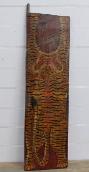 Målning på antik dörr.