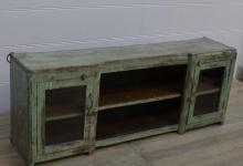 I Februari: Sideboard