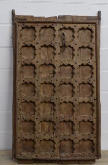 Slutet av Februari: antik dörr