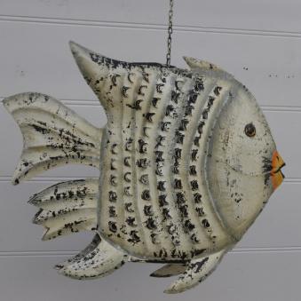 Fisk i plåt:April