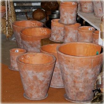 Terracottakrukor med fat
