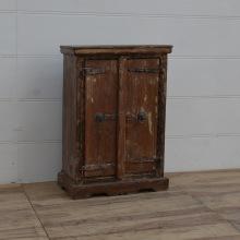 Vintage skåp i trä