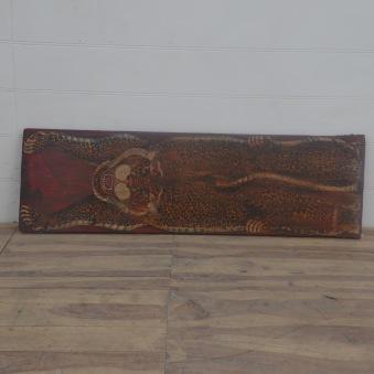 Målning på antik dörr