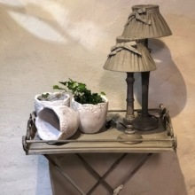 Brickbord, lampa, kruka